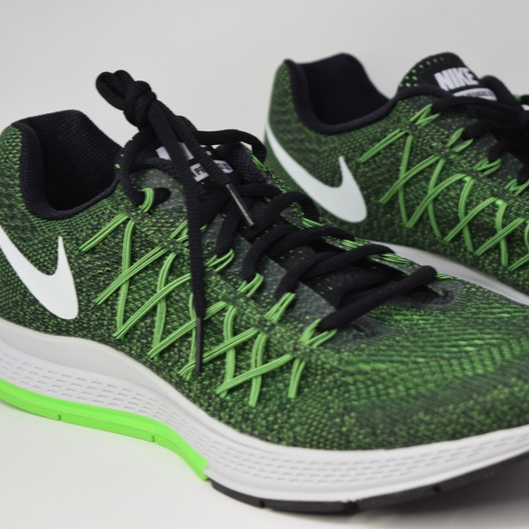 on sale 39cb0 b8d70 Nike Air Zoom Pegasus 32 Running Shoe 749340-301 NWT